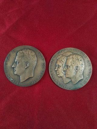 2 medallas de juan carlos | y doña sofia