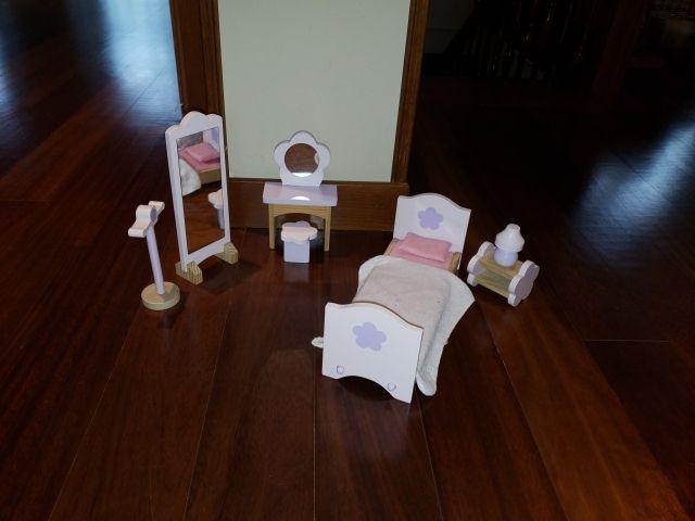 Juego de muebles para casa de muñecas