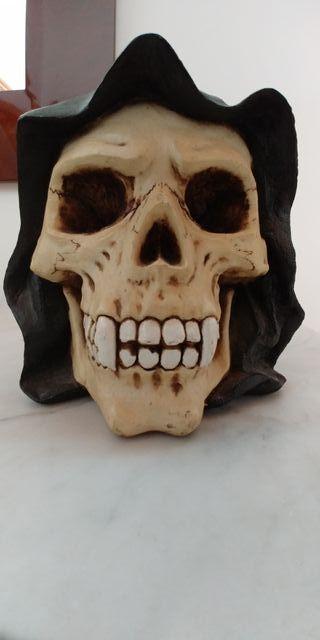 REBAJAS!!Hucha calavera de resina (años 90)