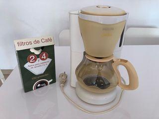 Cafetera eléctrica y filtros