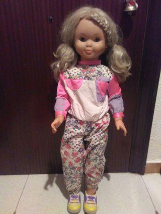 Muñeca famosa. Celia 85 cm
