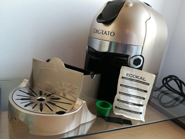 Cafetera DIGRATO, cápsulas.