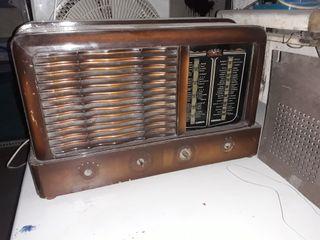 radio antigua marca Ducal. vintage