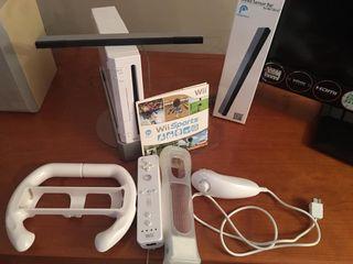 Videoconsola Wii con mandos y accesorios