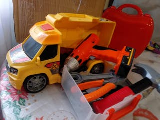 Camión con herramientas,luz y sonido.
