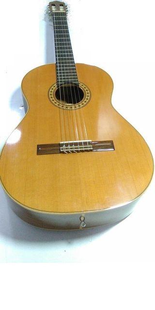 Guitarra española Azahar Modelo Nogal 105