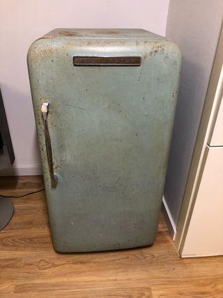 Nevera Vintage Kelvinator años 40