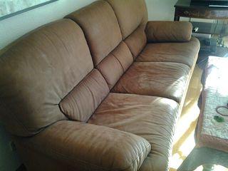 Sofá y sillón de piel