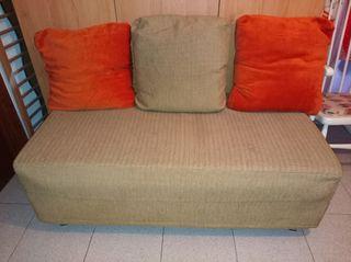 sillón y 3 cojines