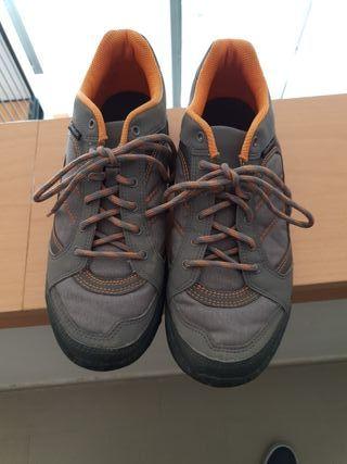 zapatos montaña Quechua n 40