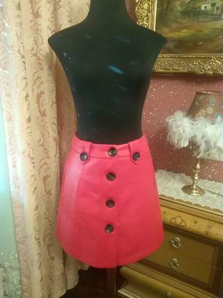 mini falda roja polipiel talla M cuero piel