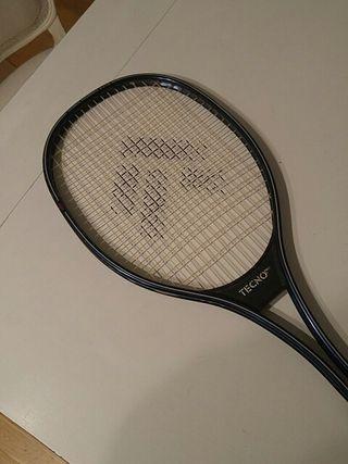 Raqueta de tenis marca TECNO pro