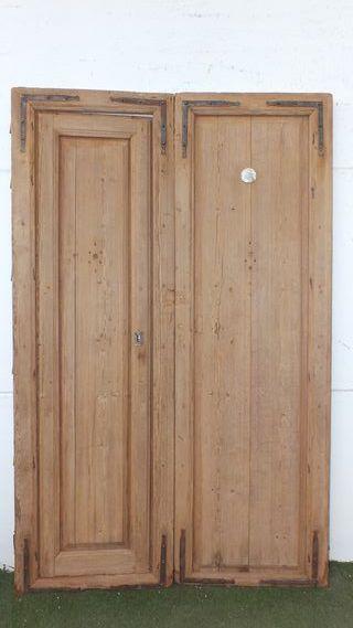 Puerta antigua de exterior