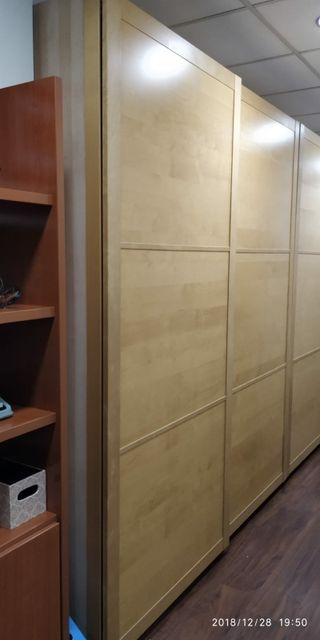 Armario puertas correderas de segunda mano en wallapop for Armario puertas correderas segunda mano