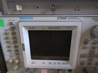 Tektronix 2754P Programmable Spectrum Analyzer