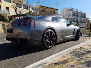 Nissan GT-R 2010
