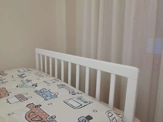 Barrera cama niño blanca