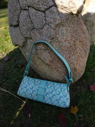 Bolso color aguamarina marca Liz Claiborn