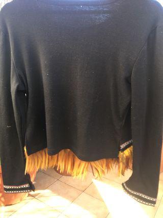 Suéter con plumas