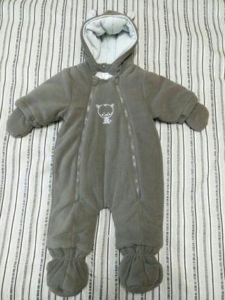 Mono invierno bebé