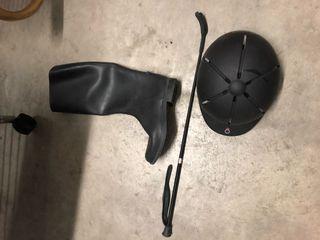 Casco, botas T38, fusta y espuela montar a caballo