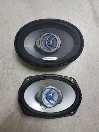 2x altavoces Pioneer 200w
