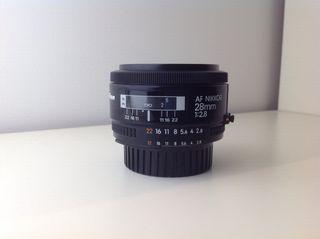 Objetivo Nikon 28 mm F2,8 AF