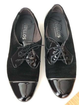 Zapatos nuevos piel pitillos