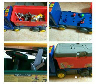 Camión juguete + caja herramientas