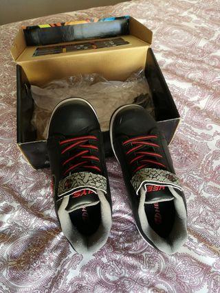 Zapatillas de ruedas Heelys talla 35