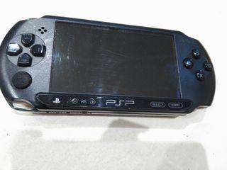 PSP E 1004 3D CON ACCESORIOS Y JUEGOS