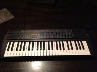Organo / Teclado electrónico