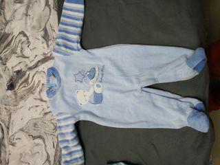 pijama de bebé de invierno esta con su ticket