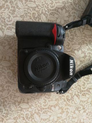 Nikon D7000 + 50mm y 18-105