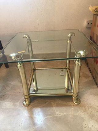 Mesa baja salón metal dorada