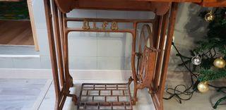 mueble de maquina de coser