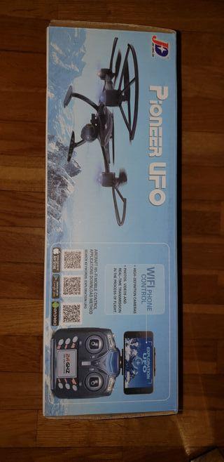 Dron con cámara y mando