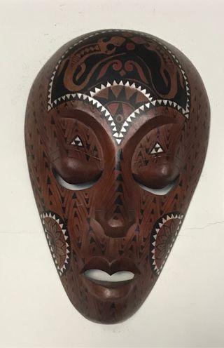 Máscara Africana tallada en madera