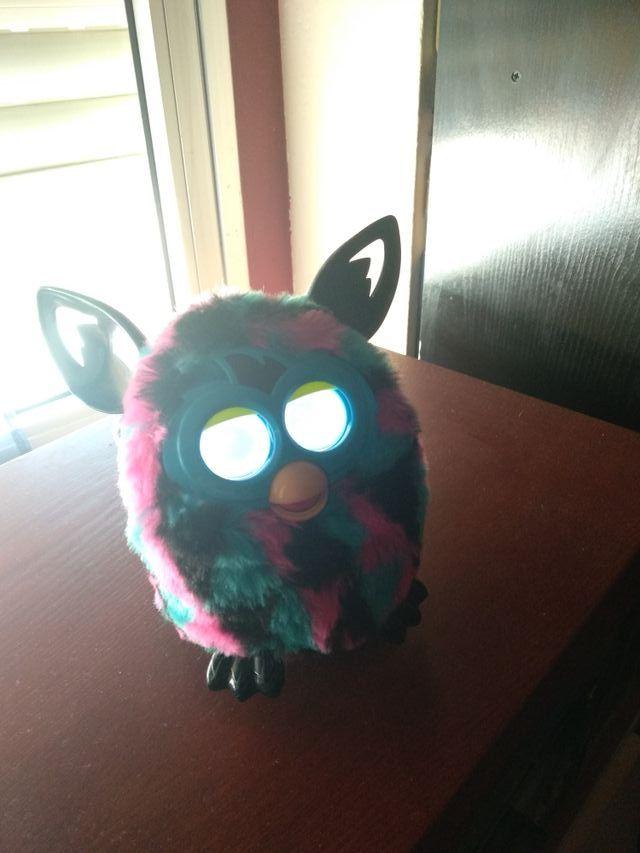 Último modelo Furby