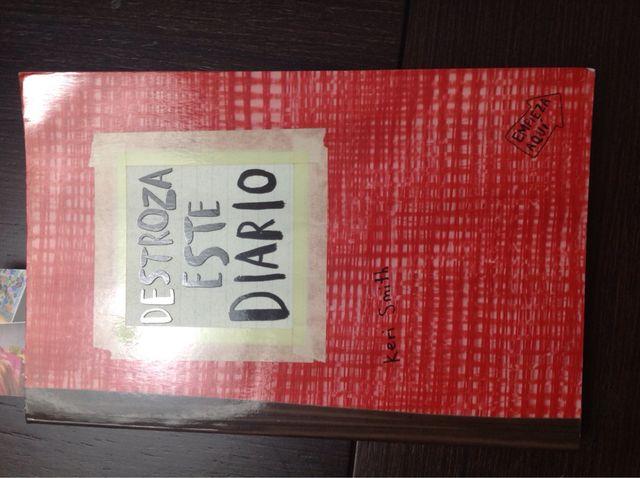 Libro destroza este diario
