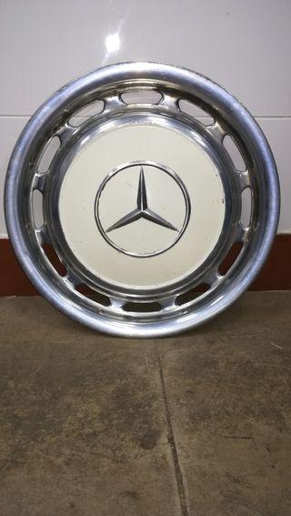 Mercedes-Benz antiguo 1977
