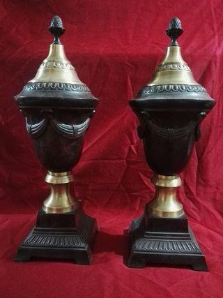 pareja de jarrones tipo napoleonicos