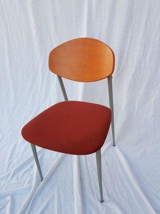 2 sillas Modelo Spina Capresse