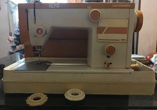 Máquina de coser Alfa de hierro portátil