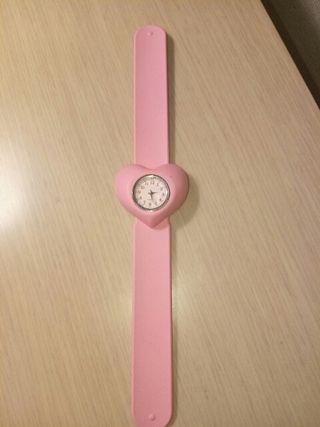 Reloj ajustable a muñeca con un toque