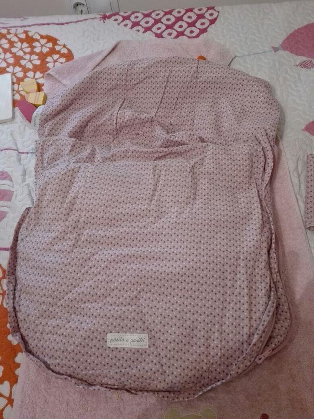 Conjunto 2 sacos + panera marca pasito a pasito