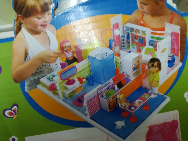 casa de los barriguitas , juguete