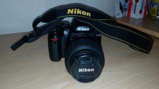 Cámara Nikon D3000 y accesorios