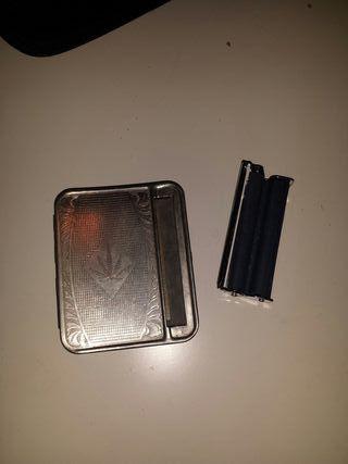 Pitillera Acero con liador..de tabaco.y otra mini.
