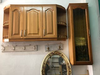 Cocina de madera maciza y encimera de granito